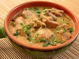C-2 CHICKEN KHURMA